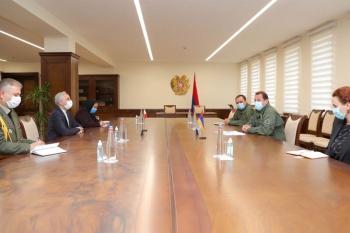 ՀՀ ՊՆ Դաւիթ Տօնոյեանը ԻԻՀ դեսպանի հետ անդրադարձել են թուրք-ադրբեջանական համատեղ զօրավարժութիւններին